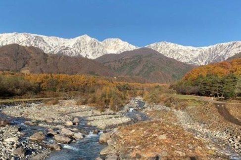 秋の白馬三山です。